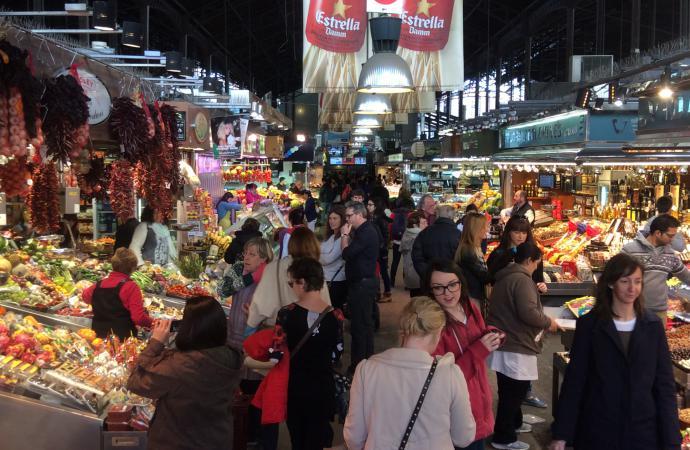 рынок  в Барселоне.
